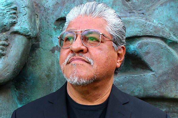 Poet and memoirist Luiz Rodriguez reads from his work April 28