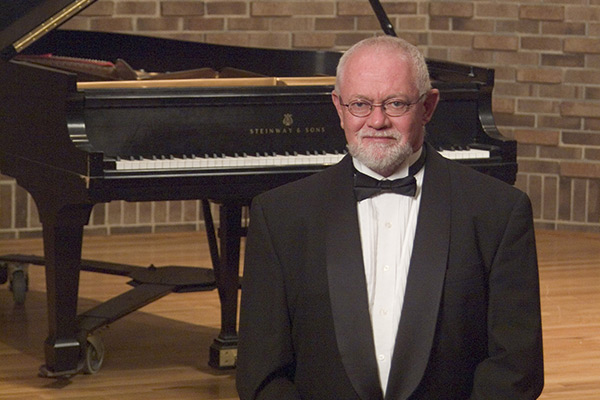 Dr. Rodney Reynerson to perform piano recital Oct. 6 at Rosen Concert Hall