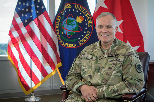 Lt. Gen. Robert Ashley receives Appalachian Alumni Association's Distinguished Alumni Award
