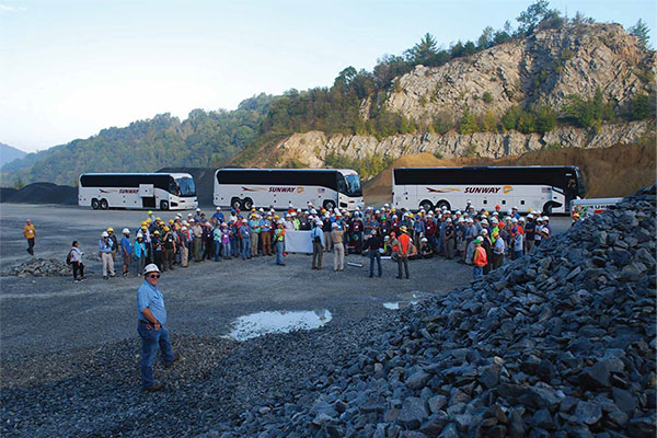 200 geologists take a field trip to the High Country
